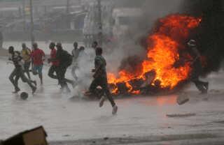 Protester i Harare, Zimbabwe, sidste mandag.