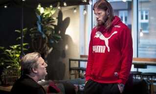 Landstræner Nikolaj Jacobsen og Mikkel Hansen er begge enige om, at håndboldslutrunderne godt kunne vare længere tid for at skåne spillerne mere.