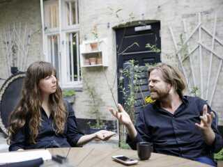 Janus Metz mødte oprindeligt antropolog Sine Plambech i forbindelse med research til et andet filmprojekt, hvorefter Sine Plambechs fagområde blev hovedfokus for et nyt fælles projekt. Et projekt der, indtil videre, har resulteret i tre dokumentarfilm og en dokumentarserie - og et ægteskab de to imellem.