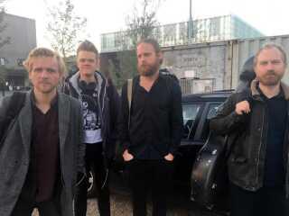 De fire musikere på vej til koncert i Køge sidste uge. Mandag til lørdag denne uge spiller de sig gennem alle Beethovens strygekvartetter i Bygningskulturens Hus i København.