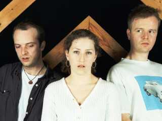 Den engelske trio, Olive. Fra venstre: Robin Taylor-Firth, sangerinden Ruth-Ann Boyle og Tim Kellett.