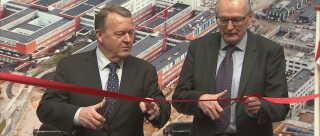 Det nye supersygehus blev officielt indviet af statsminister Lars Løkke Rasmussen og regionsrådsformand Bent Hansen.