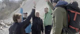 De seks U-turn-deltagere sammen med Chris MacDonald under det sidste træningspas ved Møns Klint for knap et år siden.