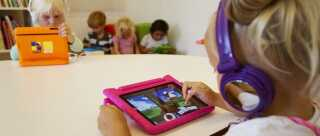 A girl practises on her iPad at the Steve Jobs school in Sneek August 21, 2013. The Steve Jobs schools in the Netherlands are founded by the O4NT (Education For A New Time) organisation, which provides the children with iPads to help them learn with a more interactive experience. REUTERS/Michael Kooren (NETHERLANDS - Tags: SOCIETY EDUCATION SCIENCE TECHNOLOGY)
