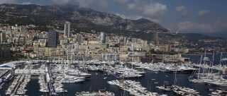 Luksusyachter ligger skulder ved skulder under det årlige yacht show i Monaco i 2012. På samme yacht show har Oleg Boykos luksusyacht, Blade, deltaget. Billedet er fra 2012.