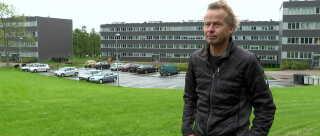 Det er jo kun cirka ti beboere, der skal flyttes for at Skovgårdsparken kommer af listen, og man slipper for truslen om nedrivninger, siger boligforeningsdirektør Keld Laursen.