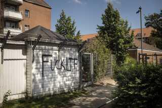 Graffiti i Mjølnerparken på Ydre Nørrebro vidnede i sommer om konflikten med banden LTF.