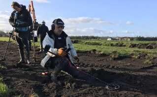 Tommy Lübecker er amatørarkæolog og besøgte første gang marken i august, hvor han fandt den første sølvmønt fra vikingetiden. Dagen efter fandt han 20 mere - i dag er fundet med hjælp fra Sydvestjyske Museer nået op på 248 mønter.