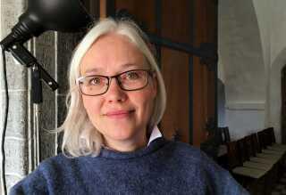 Museumsinspektør Lisbeth Imer fra Nationalmuseet har i dag for første gang set Bornholms runesten nr. 40. Den skal nu registreres og beskrives.