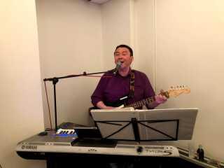 Pavia Geisler er en af Grønlands kendte musikere, som ved dette valg også har stillet op for Nunatta Qitornai.
