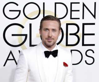 Ryan Gosling på den røde løber inden prisuddelingen.