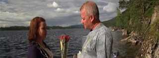 Annalis Hansen havde blomster med til sin redningsmand, da de mødtes et år efter den forfærdelige dag på Utøya.