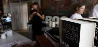 Bogsalg i cafeen på Vallekilde Højskole