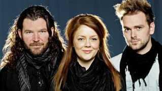 Valen:tine, alias Tine Lynggaard, sammen med Søren Itenov og Christoffer Stjerne