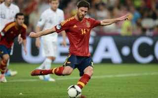 Xabi Alonso spillede sin landskamp nummer 100 mod Frankrig i EM- kvartfinalen, hvor han scorede begge mål i 2-0 sejren.