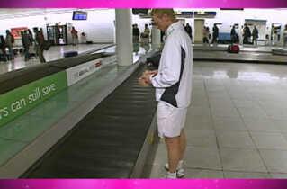 Kenneth Carlsen rejser let, når han tager til turnering - han har fx ikke skiftetøj med