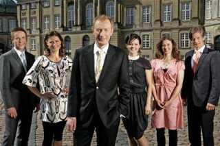 Reimer Bo Christensen d?kker brylluppet sammen med reporterne Jens Blauenfeldt, Sisse Fisker, Lise R?nne, Theresa Valb?k og Claus Letort.