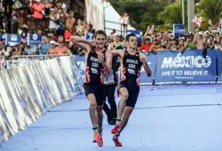 Historien om det britiske brødrepar Brownlee, der vandt henholdsvis VM-sølv og -bronze i triatlon hittede på nettet.