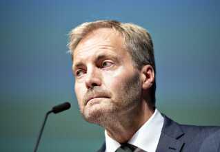 DF's gruppeformand, Peter Skaarup, kalder det forkert og utilfredsstillende, at blå blok ikke har gennemført samtlige 50 fælles forslag.