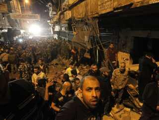 Selvmordsbomberne slog til mod indgangen til en moske og et bageri.