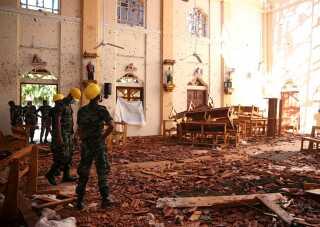 Massive ødelæggelser efter eksplosionen i den katolske kirke St. Sebastian.
