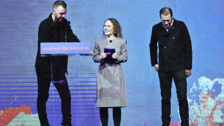 'Den skyldige' af Gustav Möller (tv.) modtog publikumsprisen til Sundance Film Festival i år. Jakob Cedergren (th.) spiller rollen som betjenten Asger.