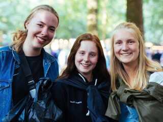 Da veninderne Mathilde Monberg, Maja Jensen og Anna Sort blev spurgt til,hvad der skal mere af, hvis Smukfest udvides, udbrød de alle: Flere toiletter!