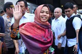Indonesiske Siti Aisyah, der også var tiltalt for drabet, blev mandag pludselig løsladt efter at have sidde fængslet i over et år.