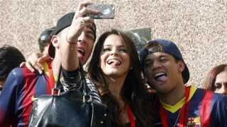 Bruna Marquezine - skuespiller og Neymars kæreste - sammen med sine venner.
