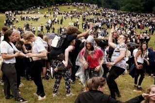 Op mod 10.000 gymnasieelever tager ud i Dyrehaven nord for København og fester i dag.