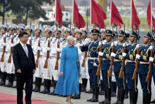 Dronning Margrethe har eksempelvis været på statsbesøg i Kina, som her hvor hun ses med præsident Xi Jinping i 2014.