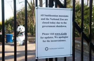 Nedlukningen går også ud over museer og parker.