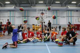 Børnebasketfonden bevæger børn med basketball og bringer foreningslivet helt ud til børnene, som det hedder i nomineringen.