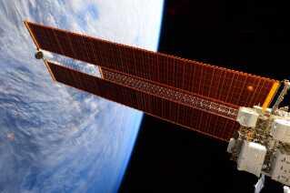 Solpanelerne på ISS er tilsammen over 2500 kvadratmeter.