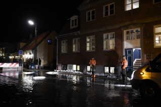 Vandstanden var så høj i Køge at åen gik over sine bredder.