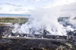 Resterne af Svinkløv Badehotel, efter der opstod brand i en tørretumbler og hotellet nedbrændte.