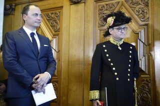 Tiltrædende uddannelses- og forskningsminister Tommy Ahlers (V) og afgående minister Søren Pind (V).