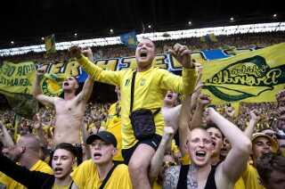 Brøndby-fans under pokalfinalen mod Silkeborg.