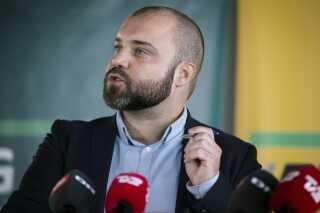 Enhedslistens spidskandidat til EU-Parlamentet, Nikolaj Villumsen, mener, at Danmark bør følge det østrigske eksempel.