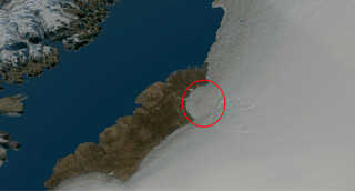 Sådan ser det ud oppefra. Krateret er markeret med en rød ring.  Foto: Københavns Universitet