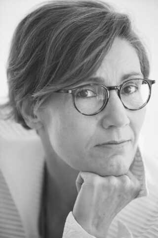 Pia Ryding er født i 1967 og arbejder i dag som seniorprojektleder.