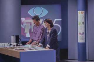 Sammen med Mette Fugl havde Ole Thisted en central rolle, da TV-Avisen i 1990 fejrede sit 25 års jubilæum på skærmen.