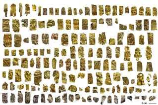 Der er dukket mere end 2.500 guldgubber op af jorden ved Sorte Muld, som har givet Bornholm sit rigeste arkæologiske fund.
