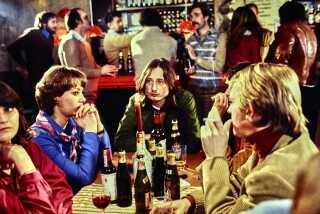 I 1980'erne var det typisk enkeltstående TV-film, Kirsten Olesen medvirkede i for DR. Lige før jul i 1980 kunne hun ses i Morten Henriksens 'Saxofonen'.