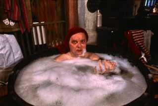 I rollen som Lunte havnede Flemming Jensen også i baljen i 'Nissebanden' fra 1984.
