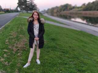 Jasmin Vejlø Larsen opfordrer andre unge til at søge om praktikdage, hvis man er skoletræt.