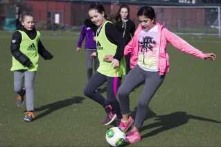 Center for Holdspil og Sundhed ved Københavns Universitet har testet FIFA 11 for Health-konceptet på 25 danske testklasser. Forskningen viser, at træning og læring gavner børnene fysiologisk og vidensmæssigt, ligesom holdspillet øger børnenes trivsel.