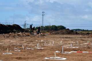 Udgravningen på Apples byggegrund ventes at stå på i lang tid endnu.