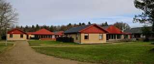 Efterskolens bygninger har tidligere været brugt som døgninstitution for unge.
