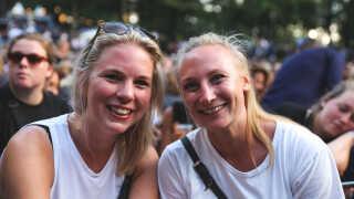 Sara Theil og Emilie Christoffersen har TopGunn mistænkt for at være lidt fuld på scenen.